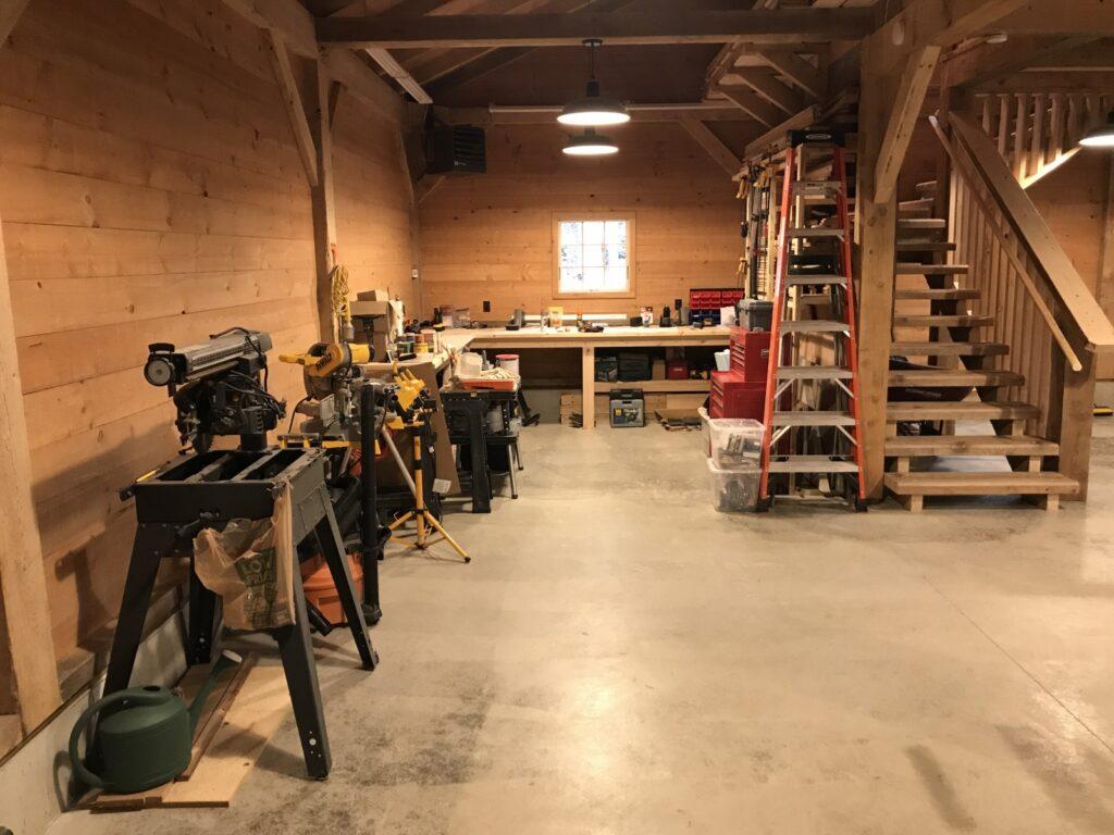 Broken-Back-Saltbox-36×36-in-MI-414C-Workshop-Interior