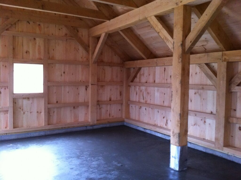 Carriage-House-Saltbox-24×24-in-CT-501C-Garage-Interior