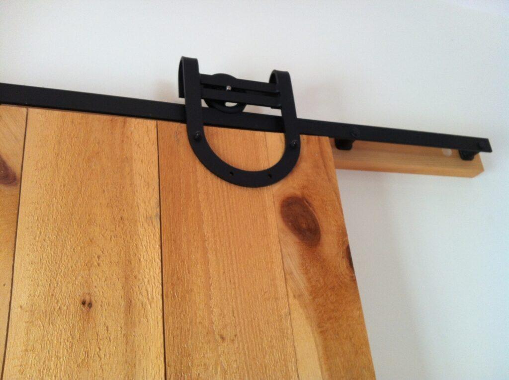 Detail-Door-Horseshoe-HW