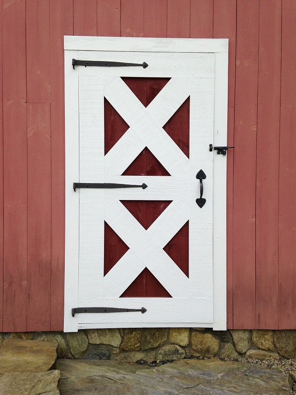 Doors-Crossbuck-Single-Swing-with-Blacksmith-HW