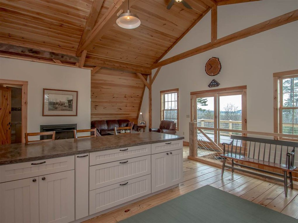 Gambrel-32×64-in-NH-204P-Home-Loft-Interior