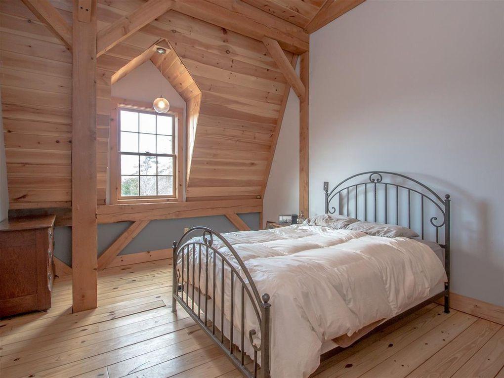 Gambrel-32×64-in-NH-204S-Home-Loft-Interior-Bedroom