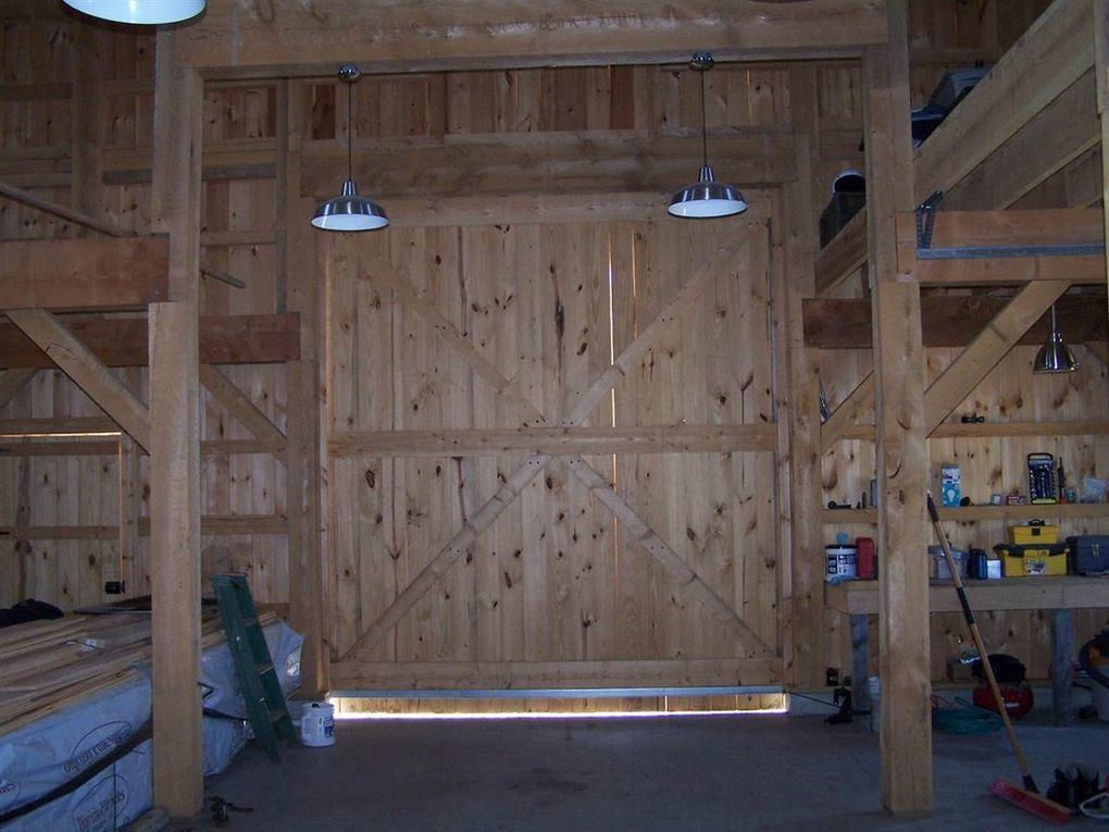 Gambrel-32×64-in-NH-204U-Garage-Workshop-Interior
