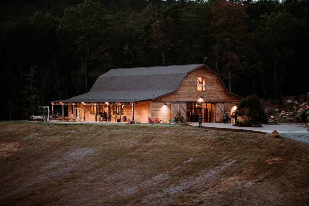 Gambrel-with-Lean-To_s-68×98-in-SC-208K-Event-Venue-Hammerbeam-Truss