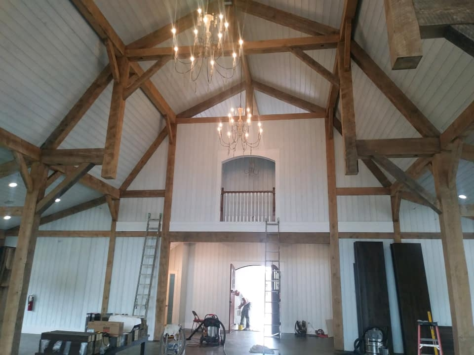 Gambrel-with-Lean-To_s-68×98-in-SC-209A-Hammerbeam-Truss-Clear-Span-Event-Venue-Interior